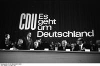 Bundesarchiv_B_145_Bild-F019970-0020,_Düsseldorf,_CDU-Bundesparteitag,_Adenauer,_Erhard.jpg